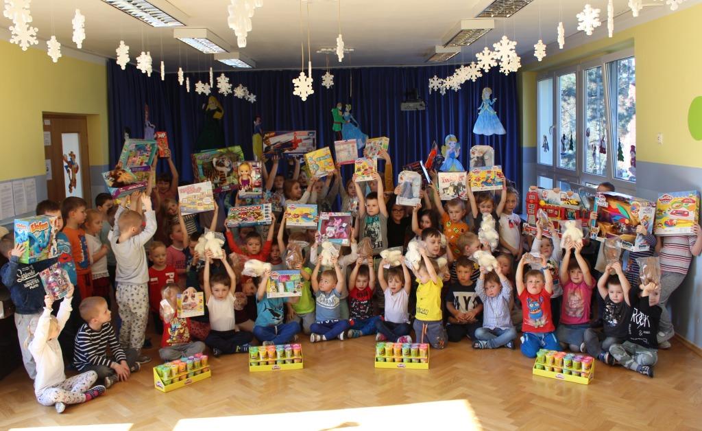 Przedszkolaki dostały nagrody z konkursu Play-Doh