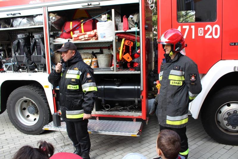 Spotkanie ze strażakami - Próba alarmu ewakuacyjnego