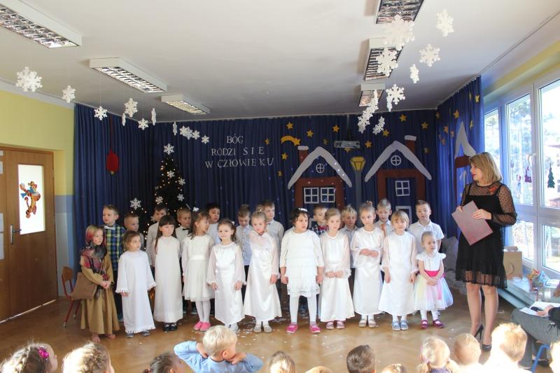 Przedszkolna Wigilia w Bajkowej Trójeczce